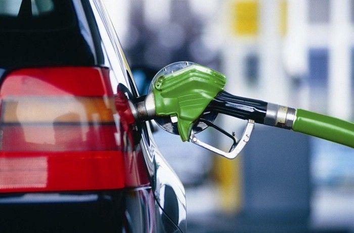 Греко-киприоты начали активно закупать бензин на Северном Кипре
