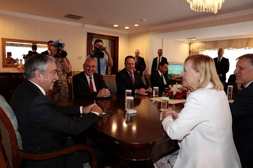 Шпехар: «Акынджи и Анастасиадис хотят вернуться за стол переговоров»