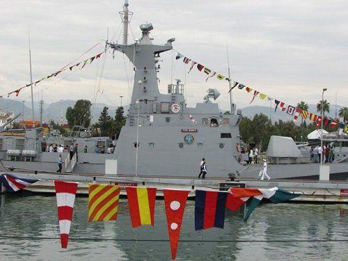 Два военно-морских судна открыты для публики