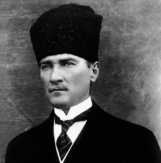 10 ноября  - День памяти Ататюрка