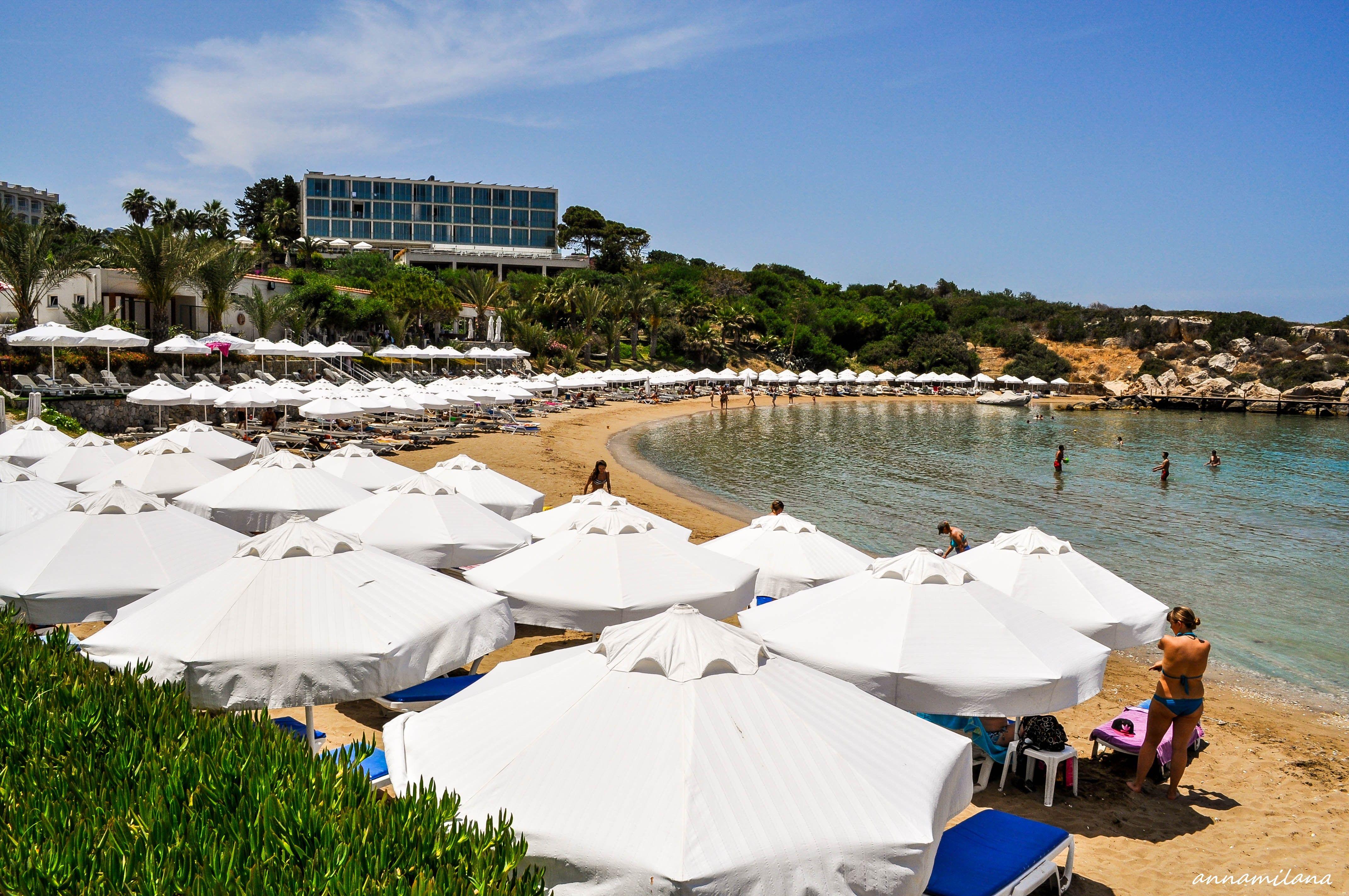 """Пляж """"Golden bay"""" в Алсанджаке"""