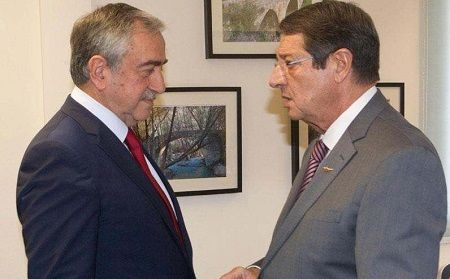 Представитель ООН встретится с Акынджи и Анастасидисом