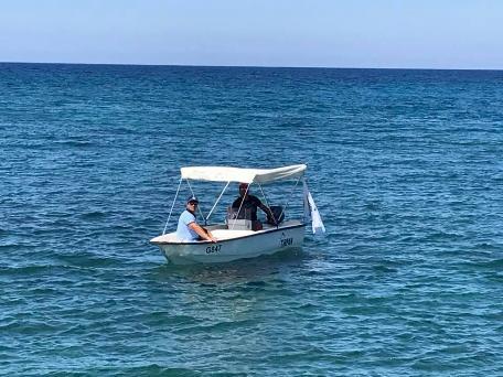 Администрация Алсанджака следит за чистотой моря