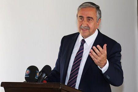 Акынджи обсудит с лидерами партий вопрос объединения Кипра