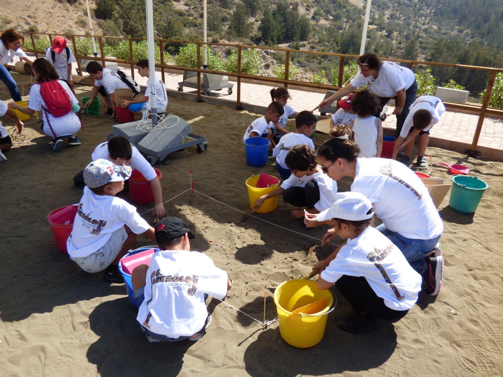 Для детей провели курс юных археологов