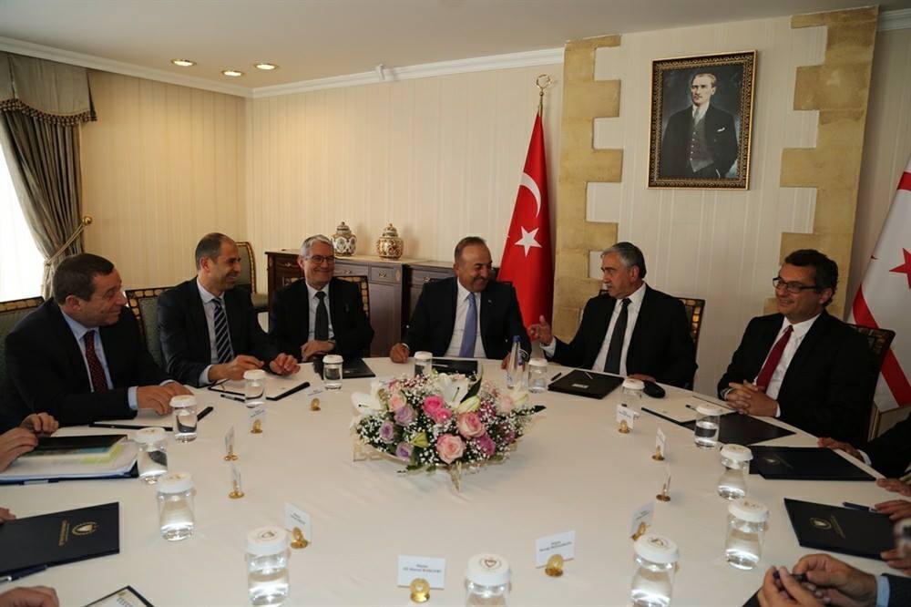 Акынджи встретился с министром иностранных дел Турции
