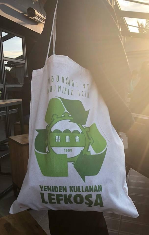 Многоразовые сумки вместо вредных пакетов