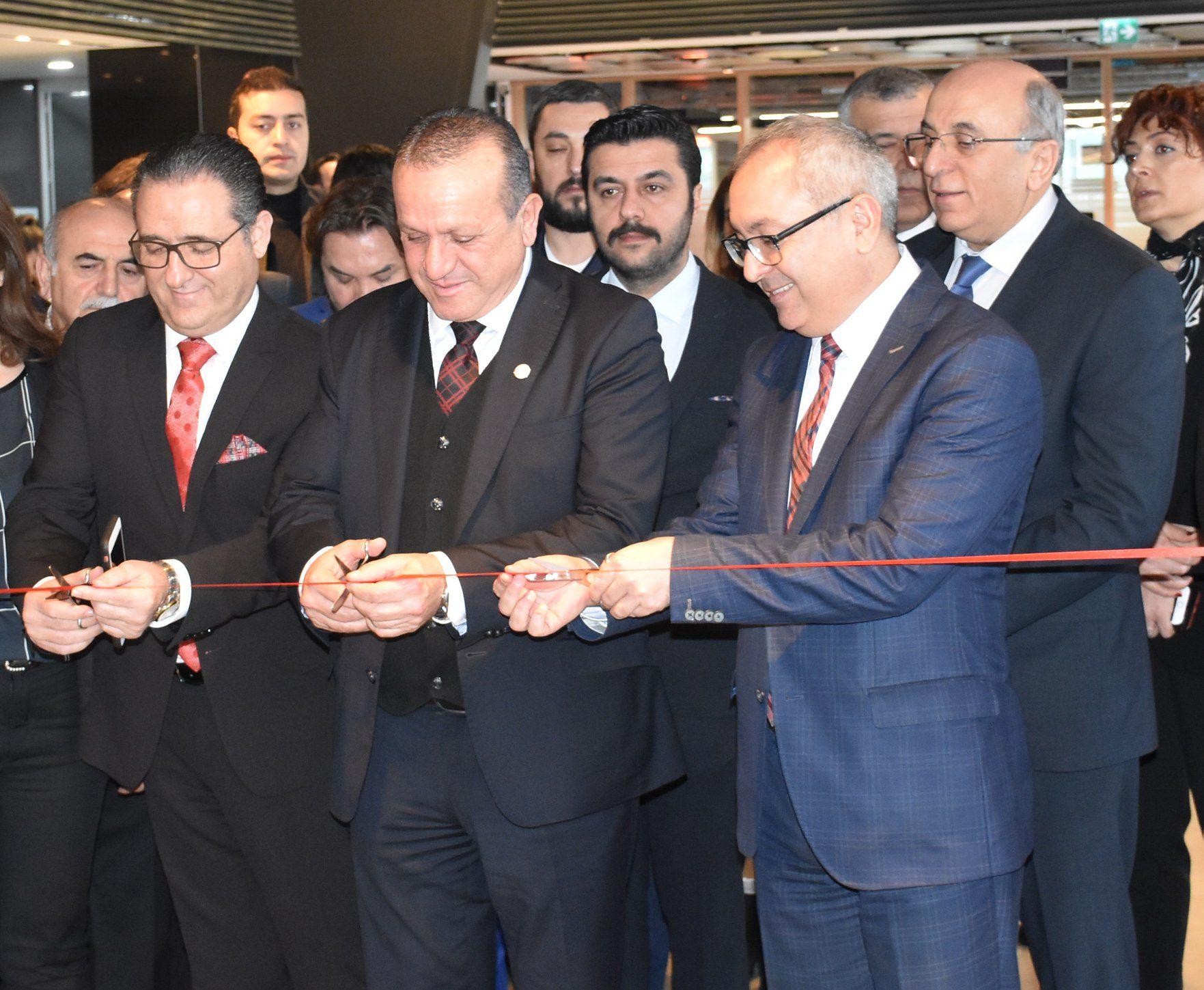 Северный Кипр участвует в 1-м Международном саммите по туризму