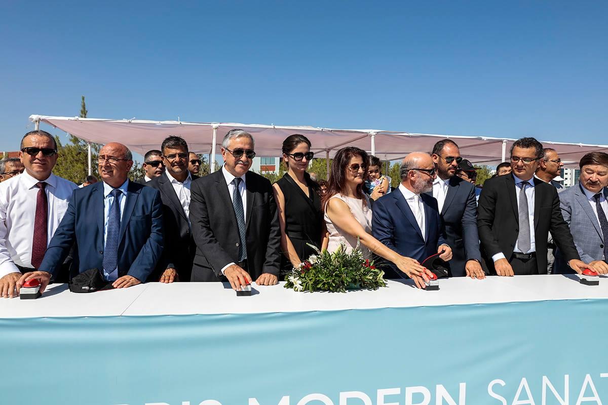 Акынджи открыл строительство музея современного искусства