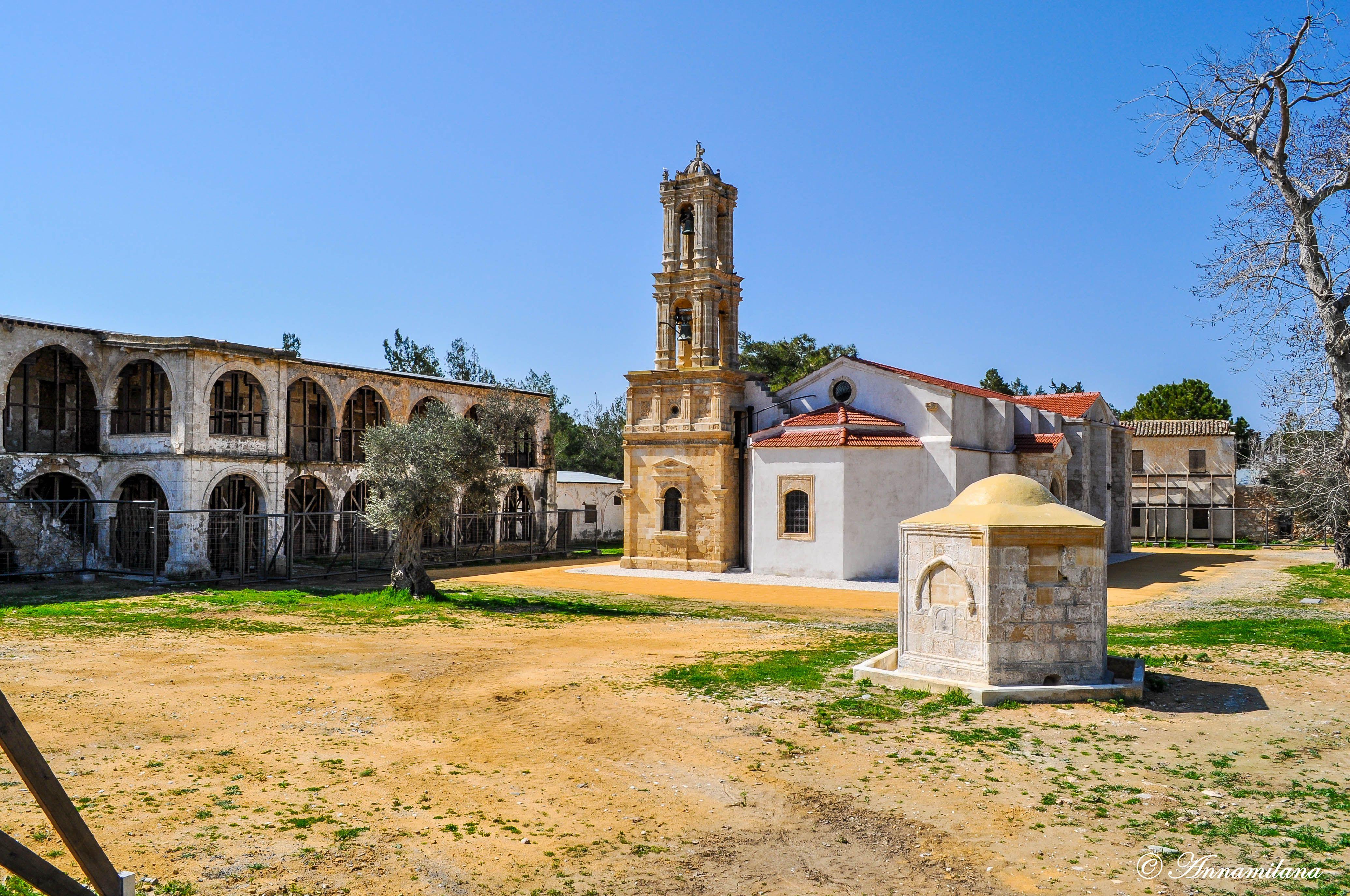Монастырь Святого Пантелеймона в поселке Чамлибель