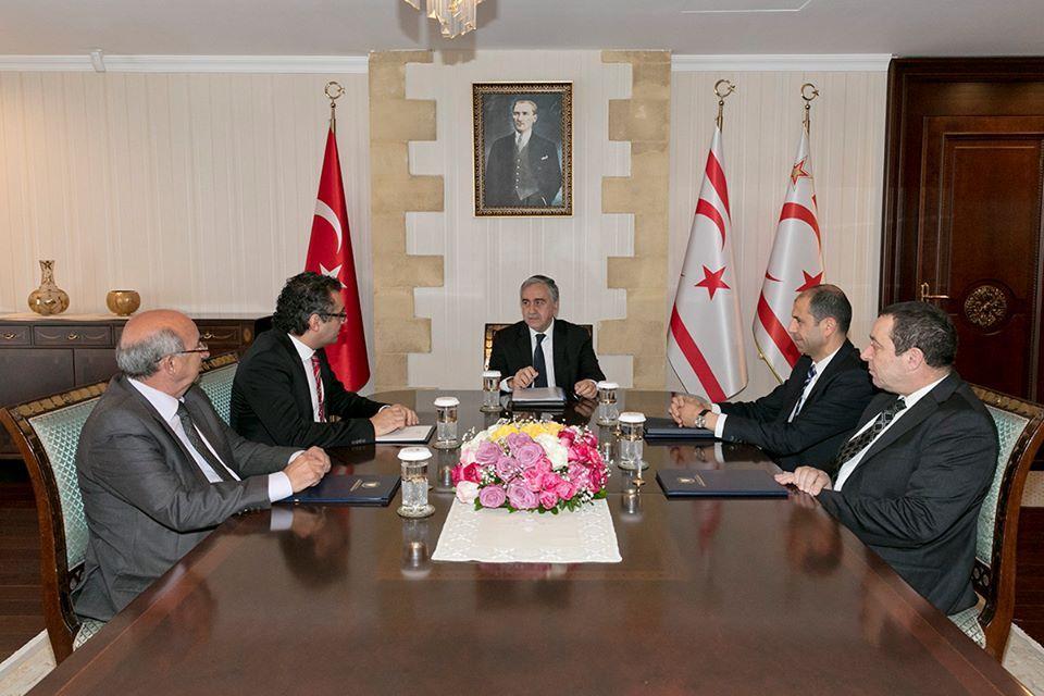Акынджи обсудил с коалиционным правительством кипрскую проблему