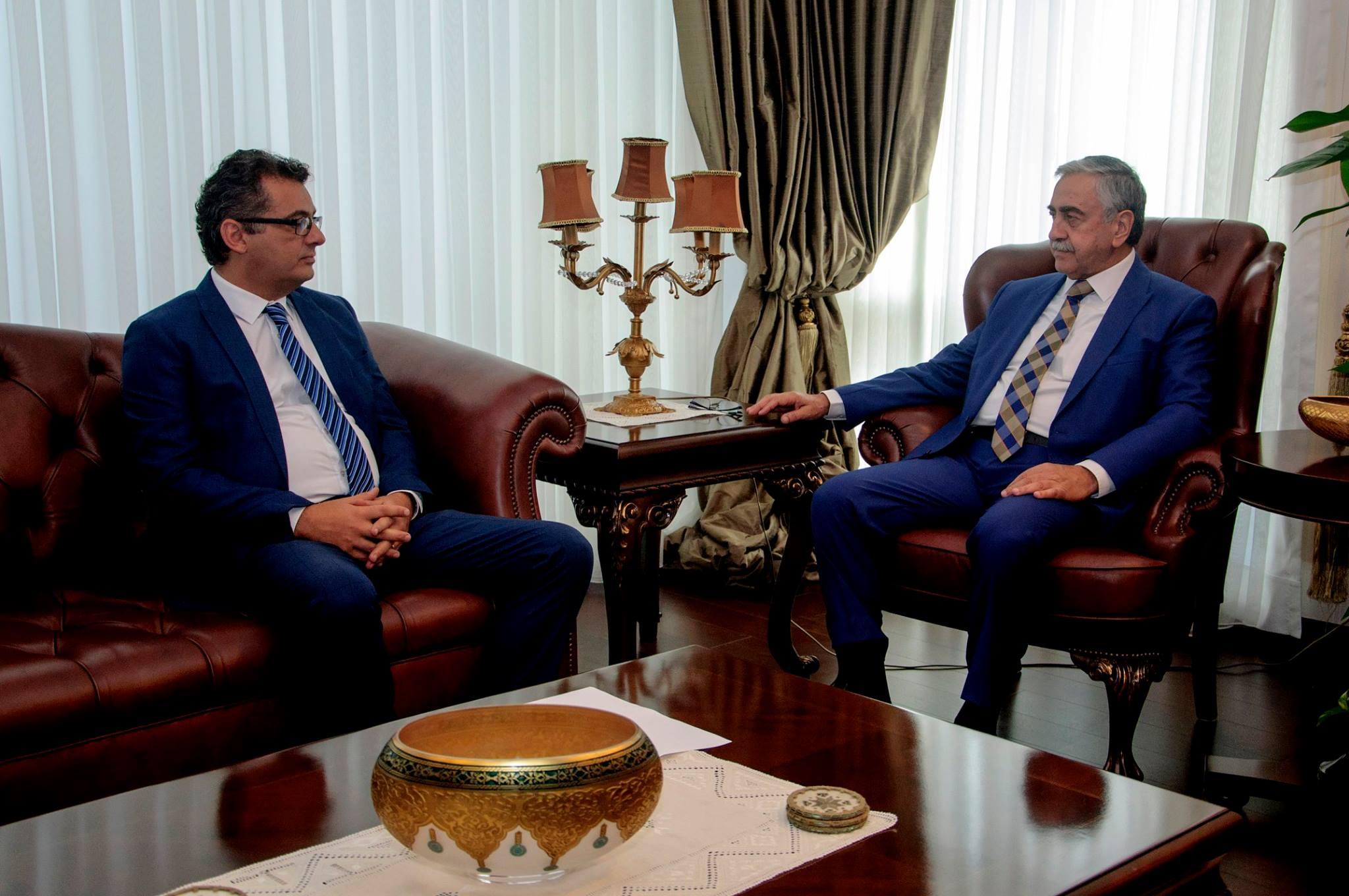 Заседание Мустафы Акынджи и премьер-министра Туфана Эрхюрмана