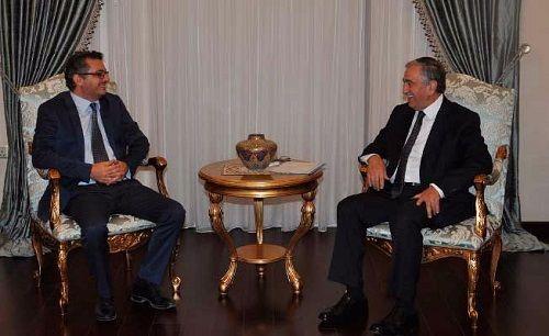 Лидеры оппозиции призвали Акынджи возобновить переговоры по объединению Кипра