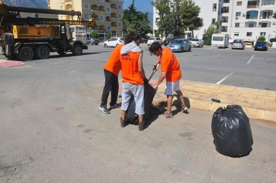 Более 100 студентов на сезонной основе наняты для уборки города Кирения